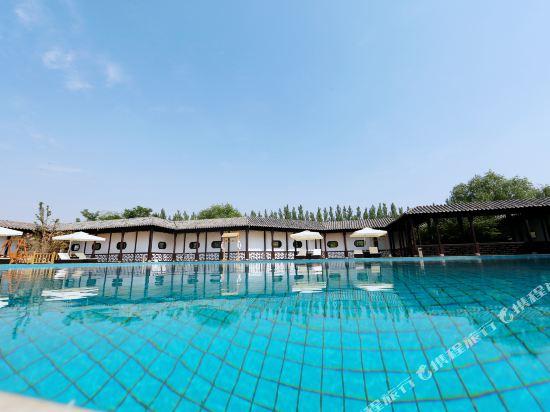 昆仑雅居度假酒店(郑州雁鸣湖风景区店) 室外泳池&儿童乐园 (本产品
