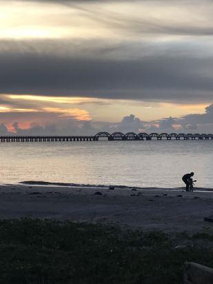 北海涠洲岛黄金海岸沙滩度假木屋