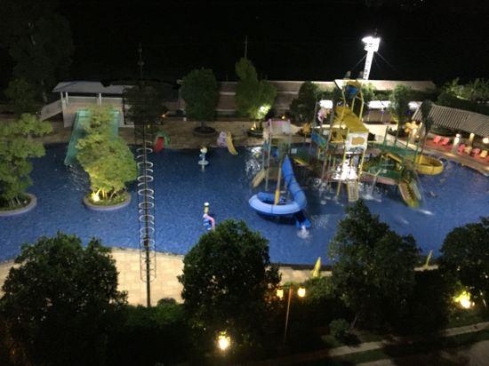 雷州樟树湾大酒店