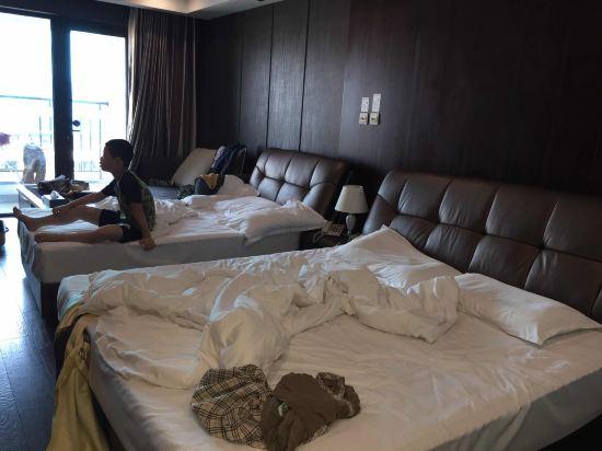 关于青岛途家斯维登度假公寓(万利国际)