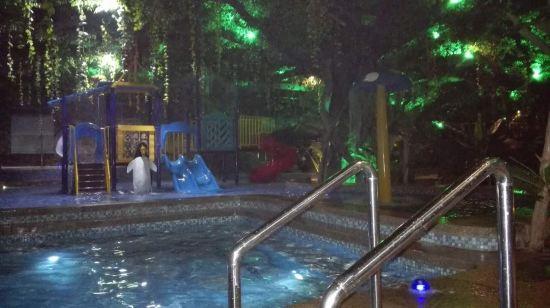 齐河欧乐堡温泉酒店