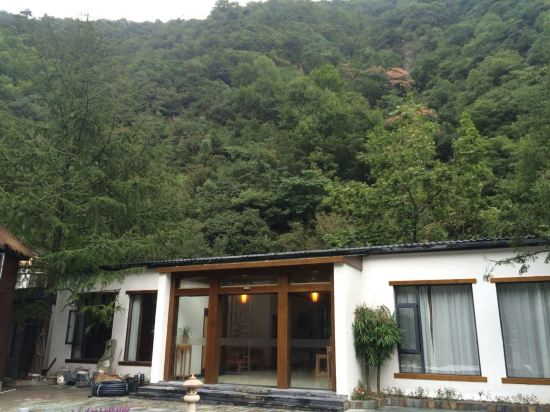 临安神龙川度假村