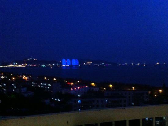 三亚碧海蓝天精品海景度假公寓