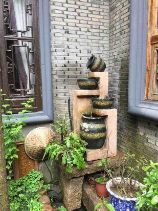 苏州小院是典型的江南木结构的小院,布置得很温馨舒适.