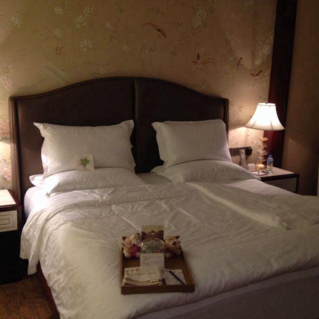 背景墙 房间 家居 酒店 设计 卧室 卧室装修 现代 装修 640_640