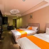 青島惠眾假日酒店公寓