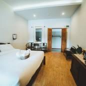 納薩拉昂酒店
