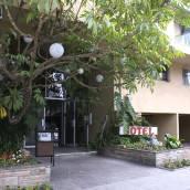 聖莫妮卡卡馬爾套房酒店