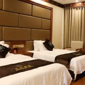 紅原芒松酒店