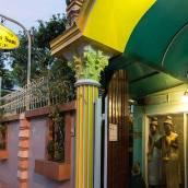 山姆森山姆普拉斯酒店