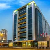 迪拜弗洛拉阿爾巴沙酒店