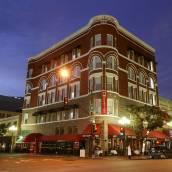 賓尼法利納基廷酒店