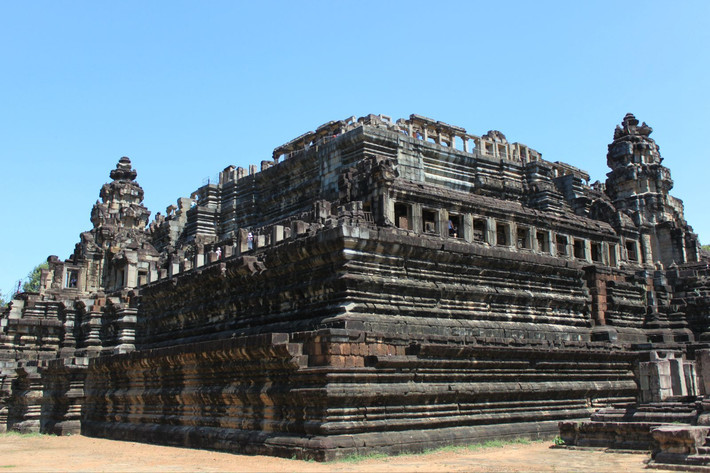 很多寺廟都在修復當中 戰象平臺,癩王臺,巴方寺構成一個整體建筑,比較
